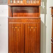 Jugendstilsalonschrank Mahagoni um 1910 feine Intarsien Fasettschliffglas restauriert 82 b 36 t 176 h 2200 €